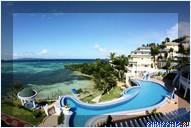 Отель Monaco Suites de Boracay, знаменитый бассейн в виде дельфина