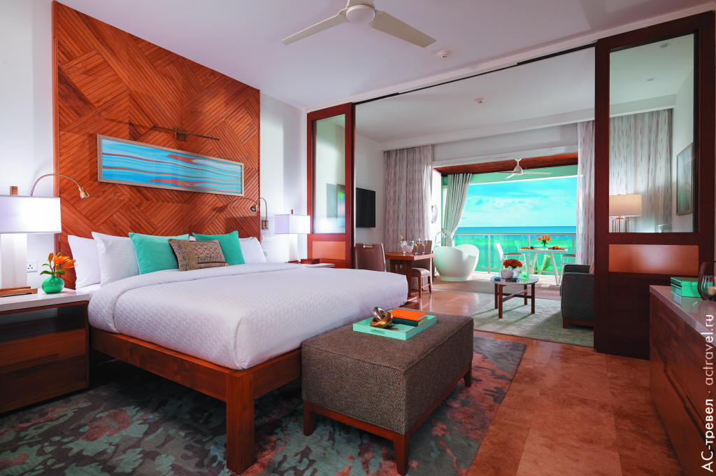 Номер (Bay Roc Beachfront Estate Presidential One Bedroom Butler Village Suite) отеля Sandals Montego Bay