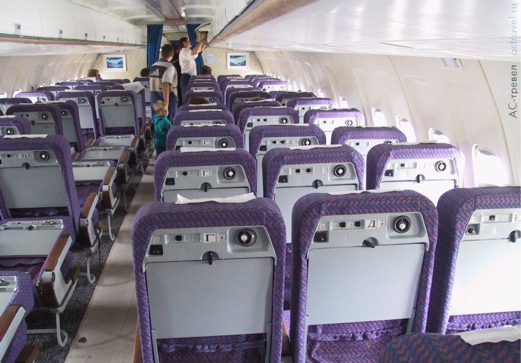 Салон самолета ту 204